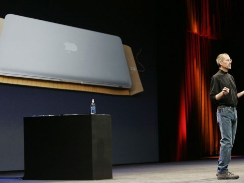 How Apple Revolutionized The Laptop Industry